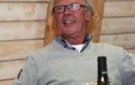 Hardy Sørensen i godt selskab ved en ladsholdsfest