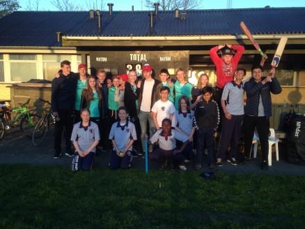 Glade skole-cricketspillere fra Roskilde og Køge